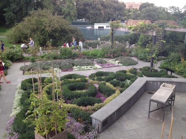 new_york-brooklyn_botanic_garden_roses