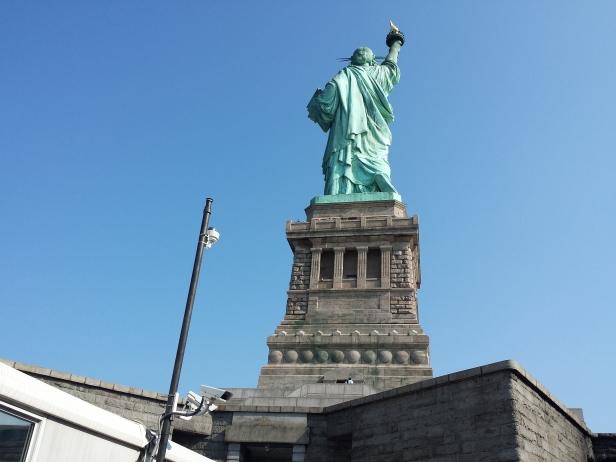 new_york-liberty_island_statue_back