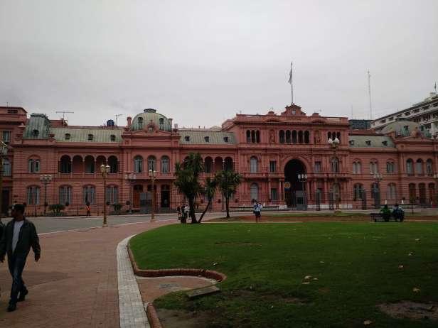 argentina_buenos_aires-casa_rosada_inteira
