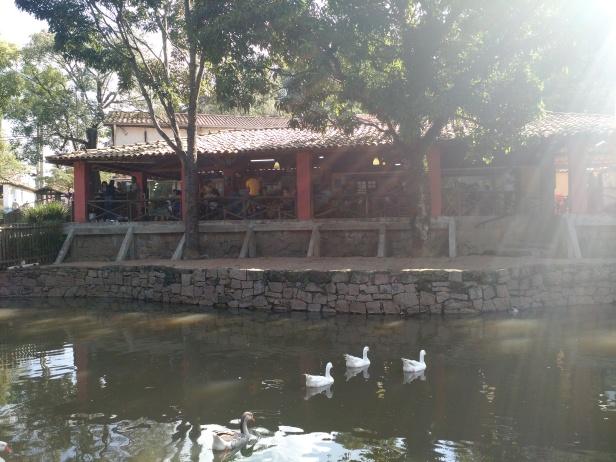 itu-fazenda_do_chocolate-lago