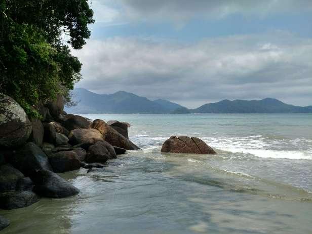 ubatuba_sp-praia_da_fortaleza-pedras