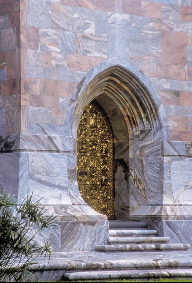 florida-bok_tower_garden-door