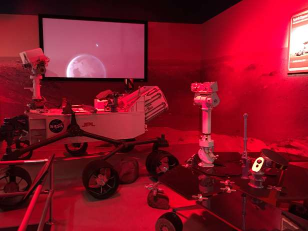 florida-kennedy_space_center-journey-to-mars