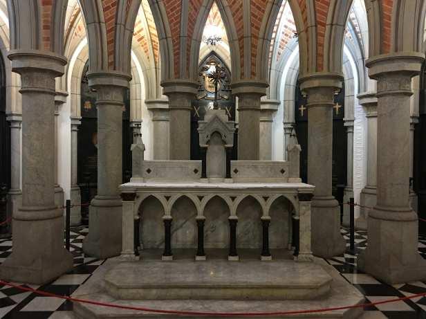 sao_paulo-catedral_da_se_cripta_altar