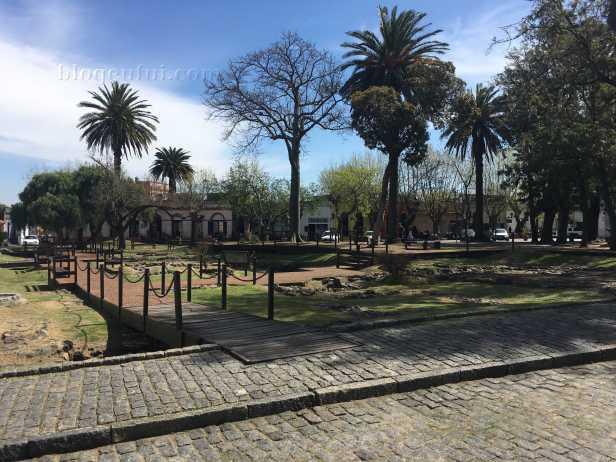 uruguai-colonia_del_sacramento-plaza_de_armas